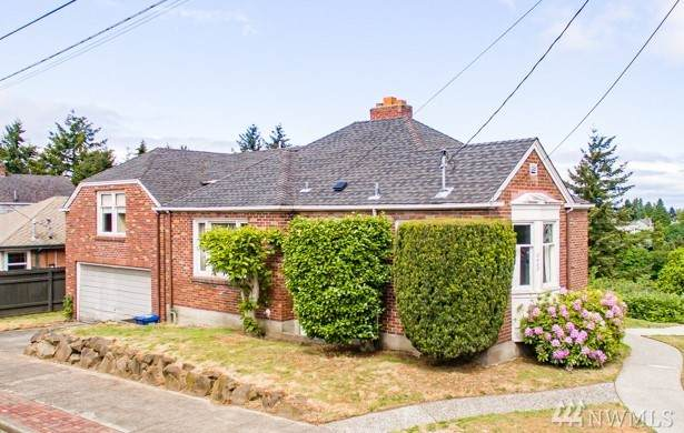 2403 Prescott Ave SW, Seattle, WA 98126 (#1599737) :: The Kendra Todd Group at Keller Williams