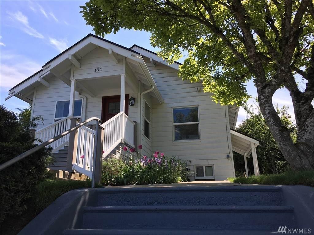 132 Bloomington Ave - Photo 1