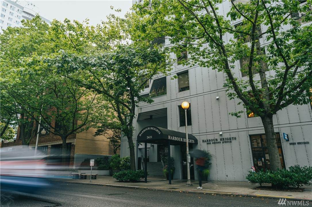 2621 2nd Avenue - Photo 1