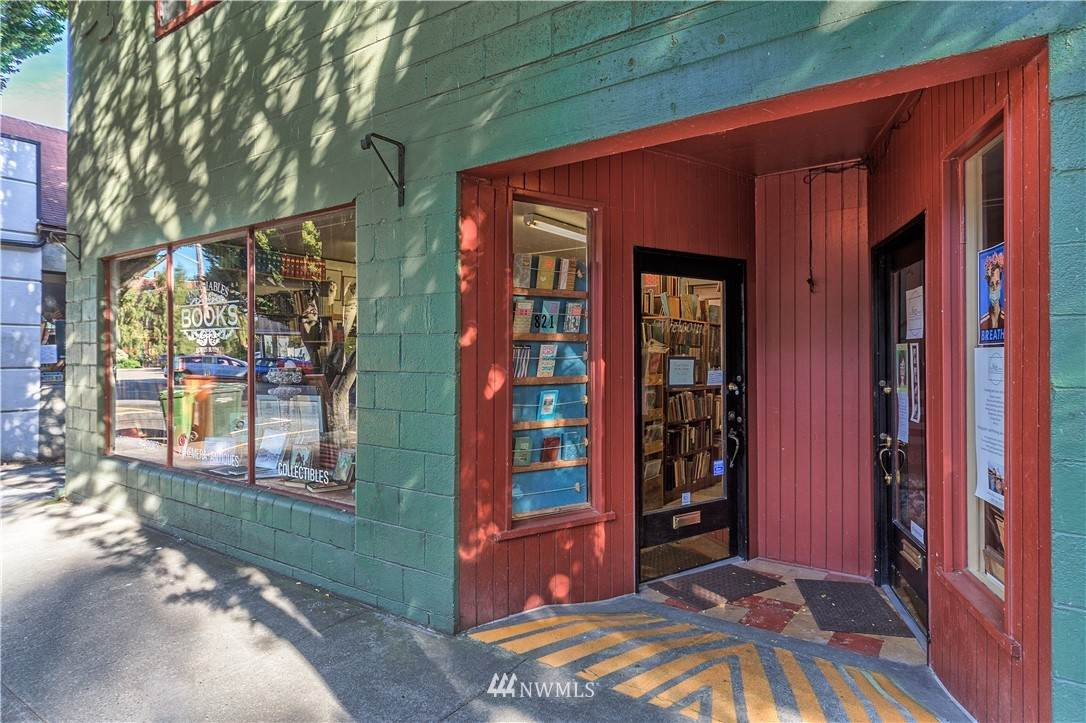 821 Washington Street - Photo 1