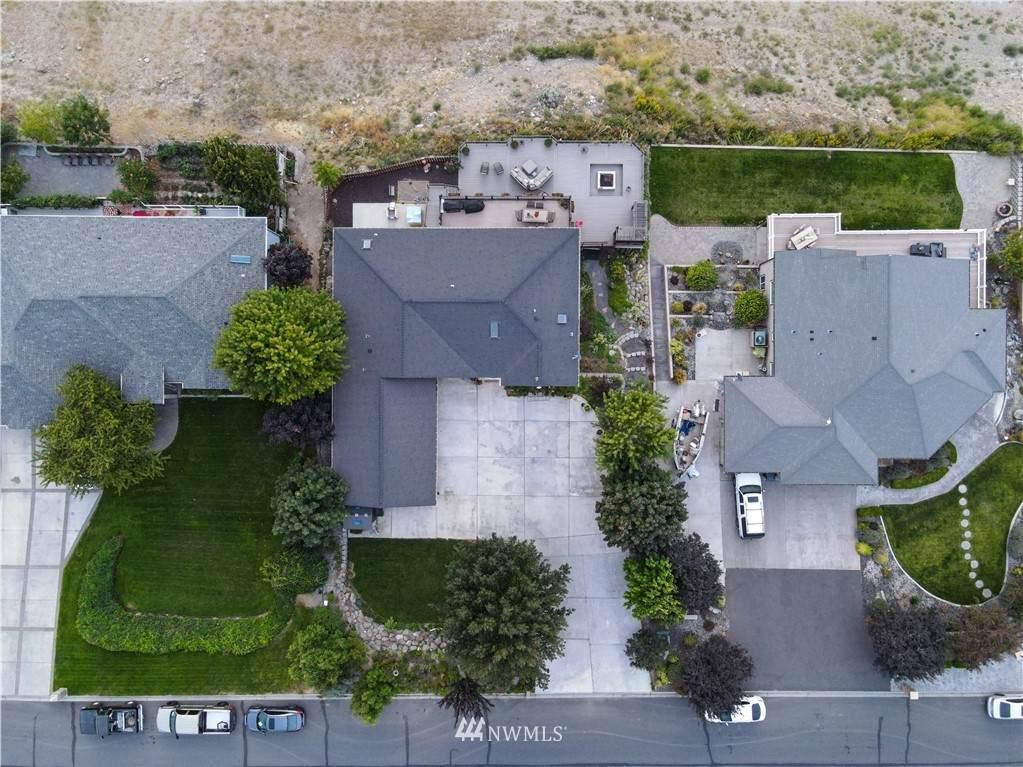 496 Viewmont Drive - Photo 1