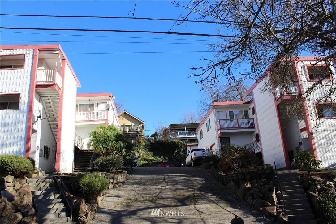 812 29 Avenue - Photo 1