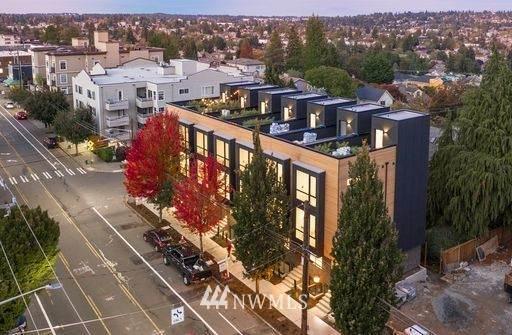 7024 Greenwood Avenue N, Seattle, WA 98117 (#1690535) :: Better Properties Real Estate