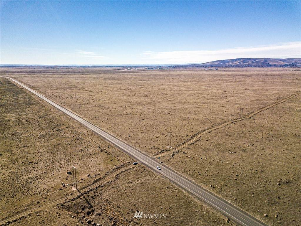 161765000 Highway 17 - Photo 1