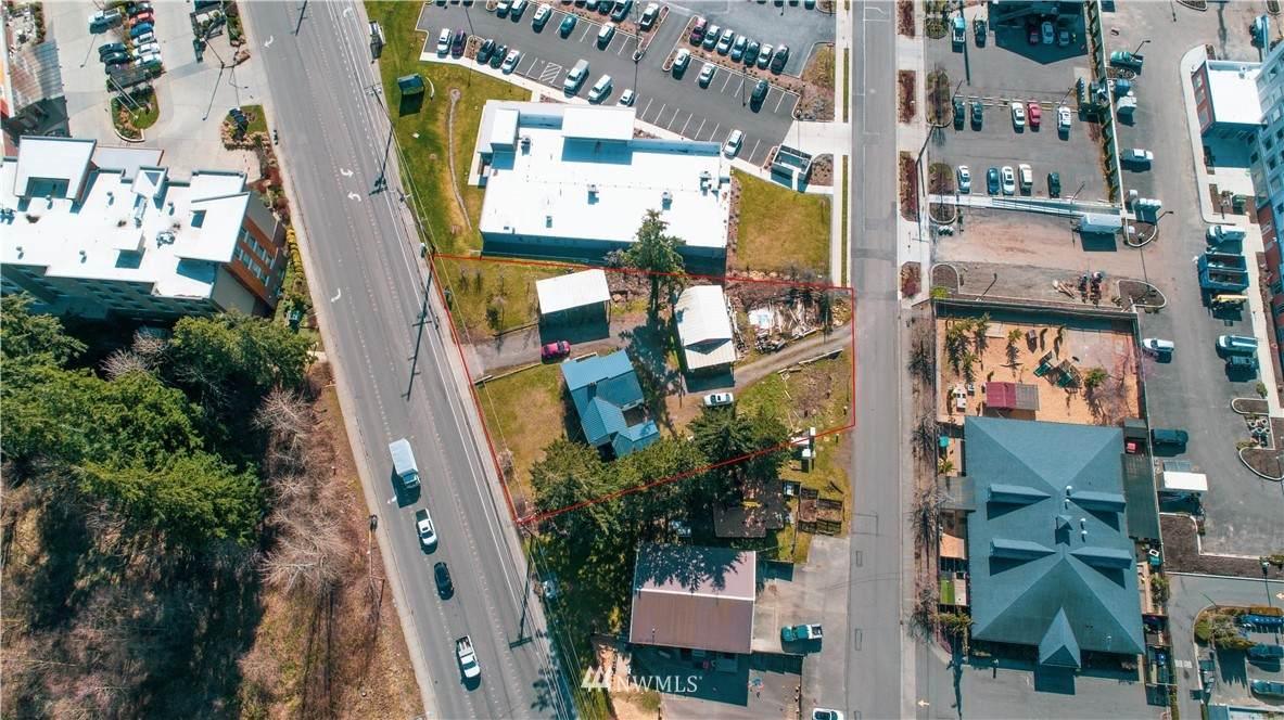 4063 Northwest Avenue - Photo 1