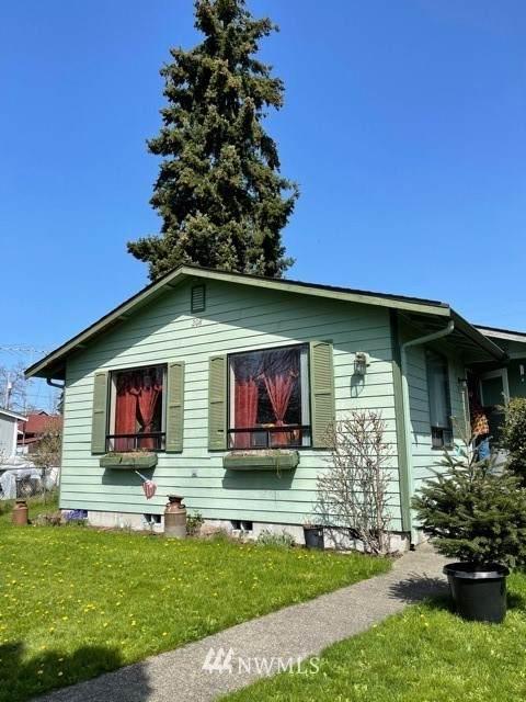 208 NE Jefferson Avenue, Yelm, WA 98597 (#1752286) :: Ben Kinney Real Estate Team