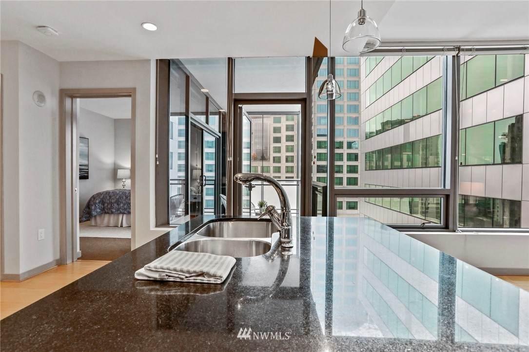 1000 1st Avenue - Photo 1