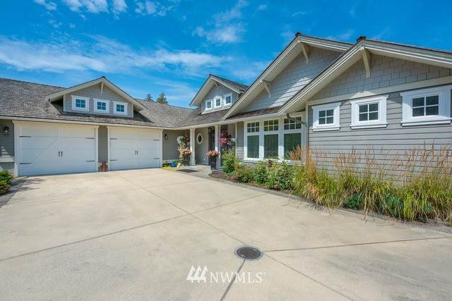2116 Whalen Drive, Point Roberts, WA 98281 (#1776876) :: Canterwood Real Estate Team