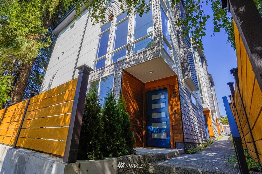 5404 26th Ave Sw - Photo 1