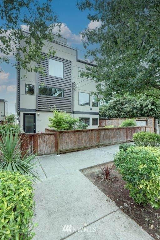 111 13th Avenue E A, Seattle, WA 98102 (#1812125) :: The Kendra Todd Group at Keller Williams