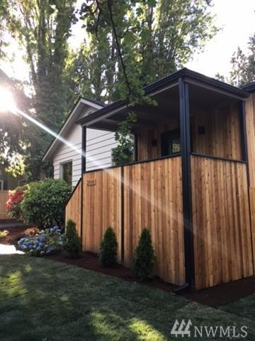 2010 NE Northgate Way, Seattle, WA 98125 (#1140719) :: Ben Kinney Real Estate Team