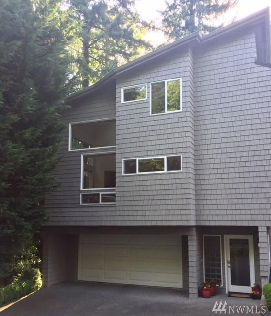 9310 SE 36th St, Mercer Island, WA 98040 (#1161955) :: The Eastside Real Estate Team