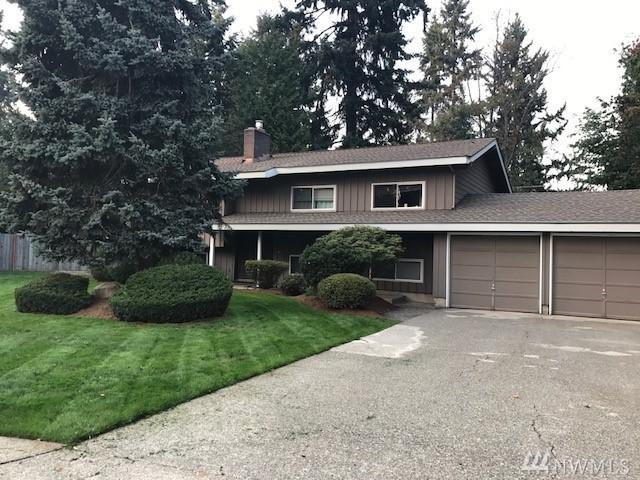 12536 SE 70th St, Newcastle, WA 98056 (#1218570) :: Keller Williams Realty Greater Seattle