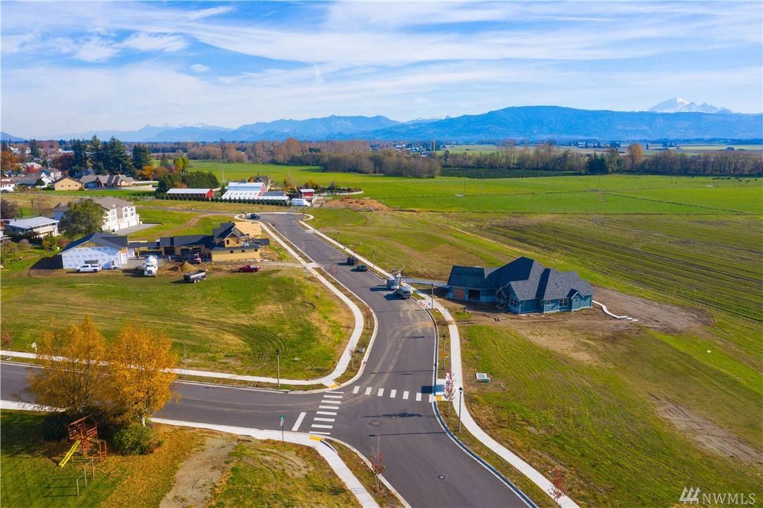 1562 Farmview Terr - Photo 1