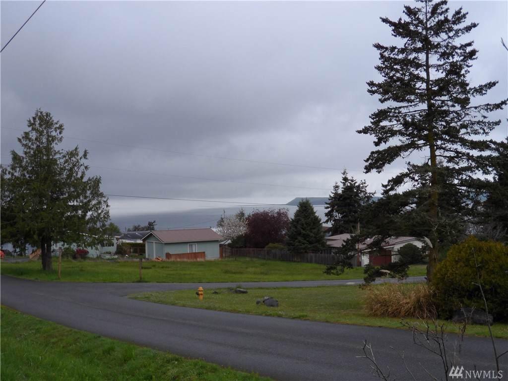 280 Ridge Dr - Photo 1