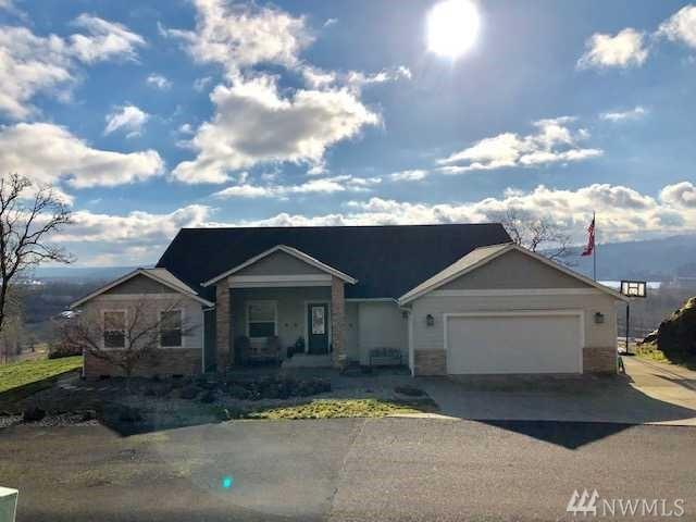 166 Bluff Rd, Kelso, WA 98626 (#1411915) :: Canterwood Real Estate Team