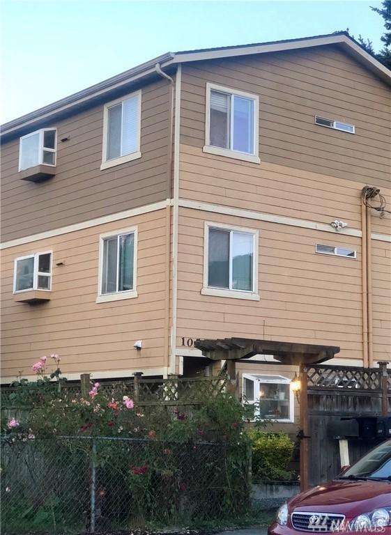 10556 Midvale Ave N #102, Seattle, WA 98133 (#1425505) :: Pickett Street Properties