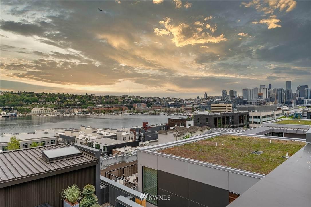 1709 Dexter Avenue - Photo 1