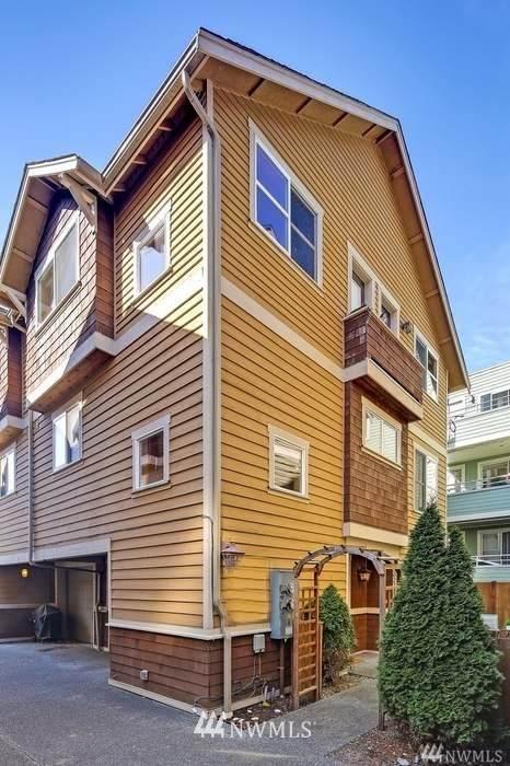 3023 60th Avenue SW A, Seattle, WA 98116 (#1818146) :: Simmi Real Estate