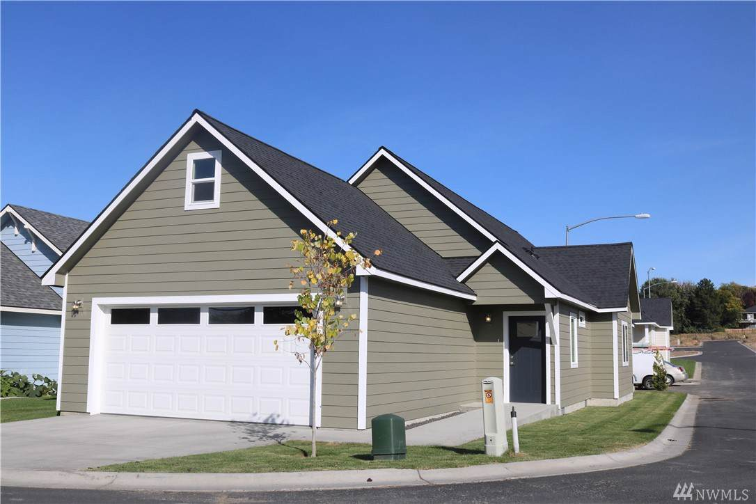 123 9th Ave - Photo 1