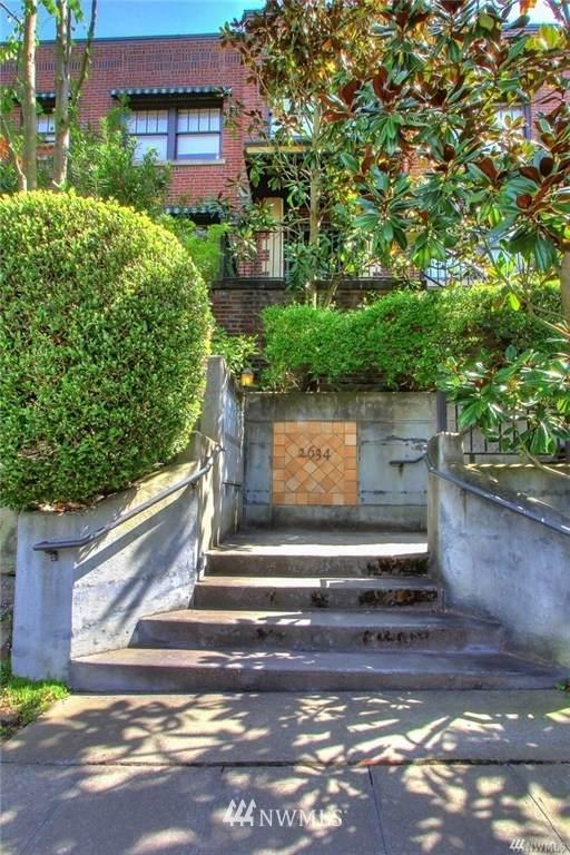 2634 Franklin Avenue - Photo 1