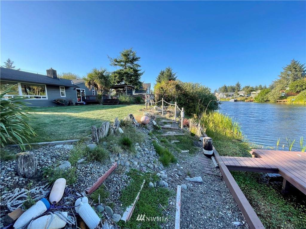 456 Point Brown Avenue - Photo 1