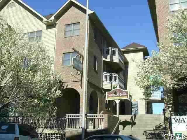 207 Queen Elizabeth Avenue Unit 19, Manteo, NC 27954 (MLS #99727) :: Matt Myatt – Village Realty