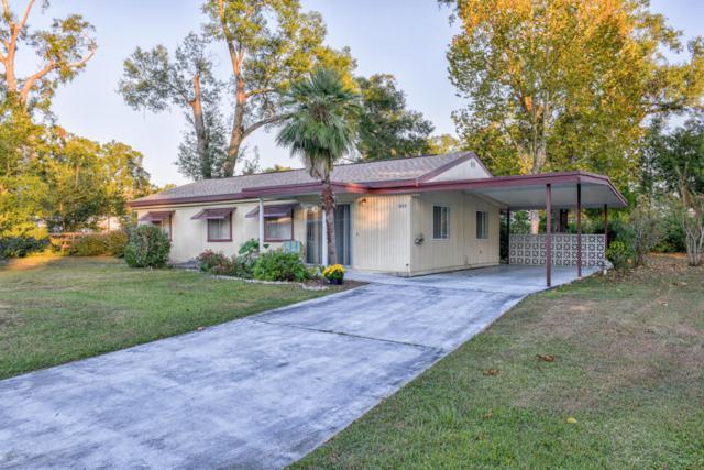 3225 SE 39th Avenue, Ocala, FL 34480 (MLS #534946) :: Bosshardt Realty