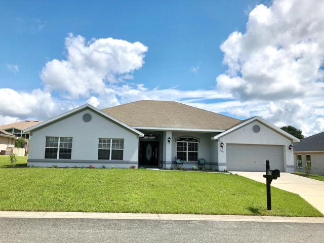 6875 SE 11th Place, Ocala, FL 34472 (MLS #542453) :: Bosshardt Realty