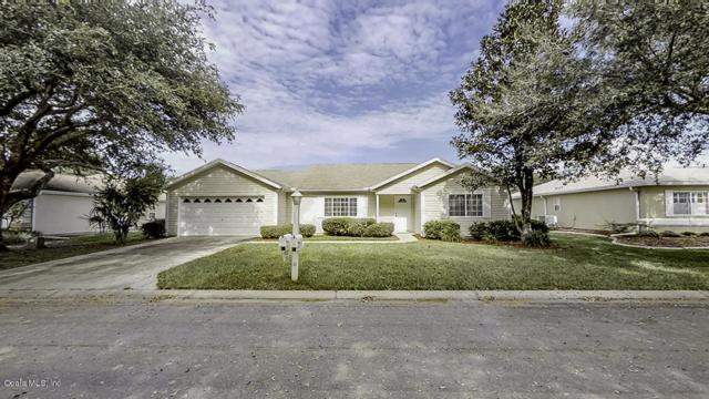 11655 SW 140th Lane, Dunnellon, FL 34432 (MLS #546052) :: Realty Executives Mid Florida