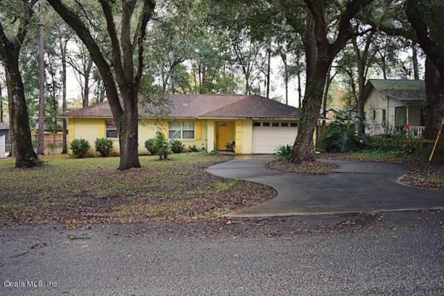 112 Teak Road, Ocala, FL 34472 (MLS #548661) :: Pepine Realty