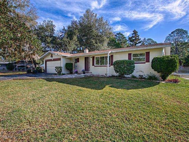 717 NE 39th Court, Ocala, FL 34470 (MLS #551115) :: Realty Executives Mid Florida