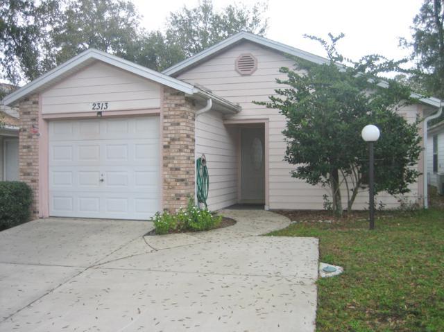 2313 NE 40th Avenue, Ocala, FL 34470 (MLS #551199) :: Pepine Realty