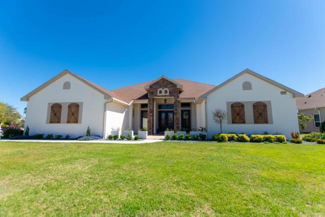 8908 Beacon Hill Avenue, Mount Dora, FL 32757 (MLS #552363) :: Bosshardt Realty