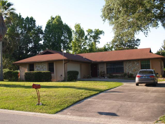 637 SE 17th Street, Ocala, FL 34471 (MLS #554495) :: Pepine Realty