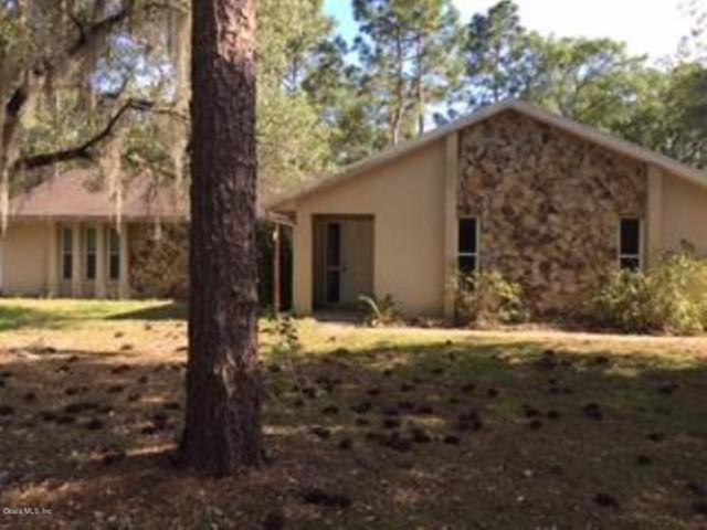 22680 SW Anchor Boulevard, Dunnellon, FL 34431 (MLS #556348) :: Globalwide Realty