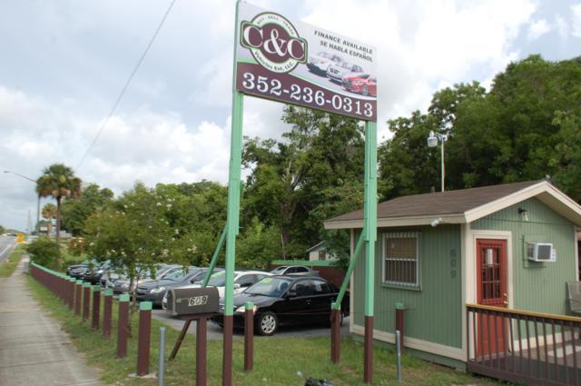 609 NW 10th Street, Ocala, FL 34475 (MLS #557743) :: The Dora Campbell Team