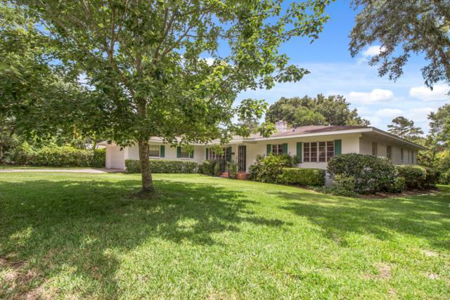 823 SE 10th Avenue, Ocala, FL 34471 (MLS #558767) :: Bosshardt Realty