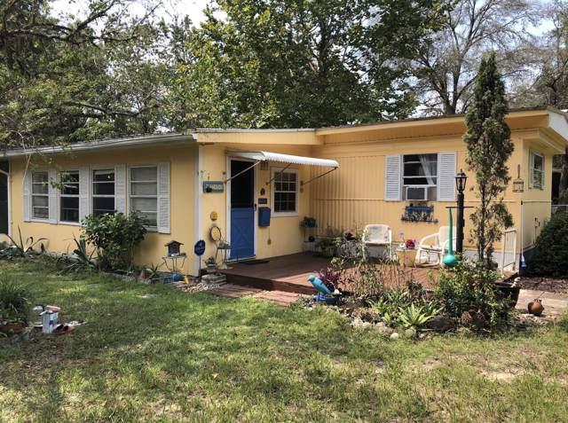 10438 SE 130th Place, Ocklawaha, FL 32179 (MLS #562962) :: Bosshardt Realty