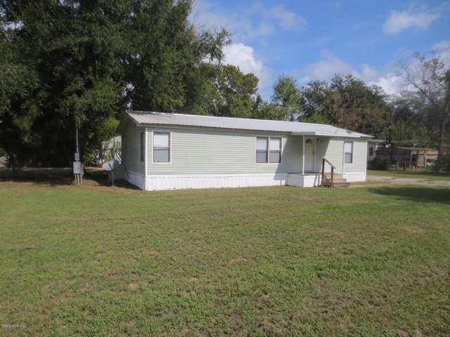 10509 SE 132nd Place, Ocklawaha, FL 32179 (MLS #565904) :: The Dora Campbell Team
