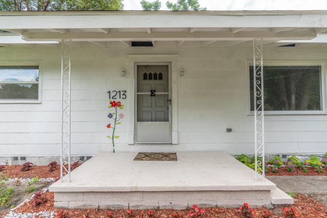 1213 NE 32nd Place, Ocala, FL 34479 (MLS #538007) :: Bosshardt Realty