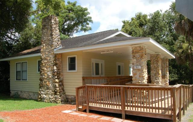 911 NE 2nd Street, Ocala, FL 34470 (MLS #538195) :: Realty Executives Mid Florida