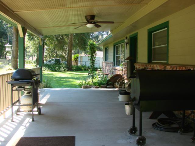 6332 NW 60 Court, Ocala, FL 34482 (MLS #543435) :: Thomas Group Realty