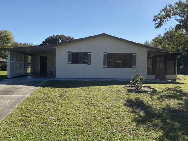 9980 SW 101st Lane, Ocala, FL 34481 (MLS #566556) :: Bosshardt Realty