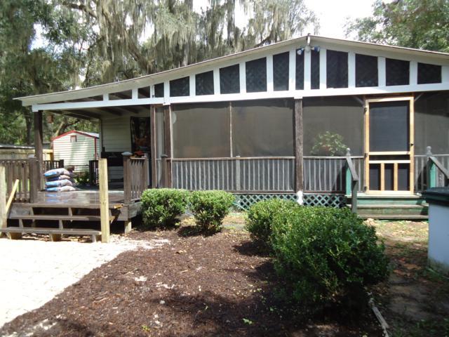 14205 NE 198th Lane, Fort Mccoy, FL 32134 (MLS #543697) :: Bosshardt Realty