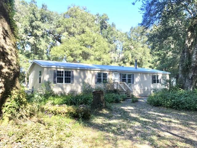 4131 NE 142nd Place, Anthony, FL 32617 (MLS #566170) :: The Dora Campbell Team