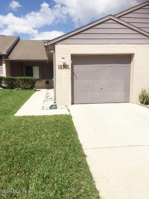 10910 SE 50th Avenue, Belleview, FL 34420 (MLS #516907) :: Bosshardt Realty