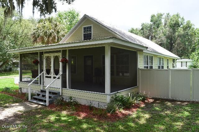 5200 NW 191st Place, Orange Lake, FL 32681 (MLS #520492) :: Bosshardt Realty