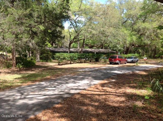 4949 NE 26th Place, Ocala, FL 34470 (MLS #521960) :: Bosshardt Realty