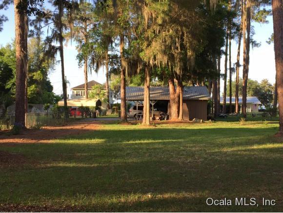 13850 SE 124th Street, Ocklawaha, FL 32179 (MLS #524618) :: Bosshardt Realty